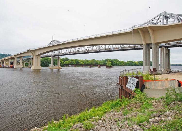 Winona Bridge (85851 or Highway 43) - Epoxy Interest Group